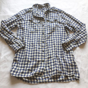 BUY 2 GET THIS FREE ~ GAP Button Up Shirt S